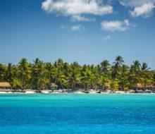 Где отдохнуть в апреле на море за границей?